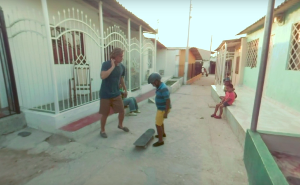 Toms' 360-degree film to its buyers to countries where the company donates its shoes