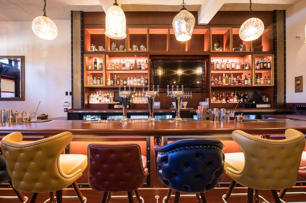 6 Stylish Spots (With Real Food + Drink) to Watch the Super Bowl ...