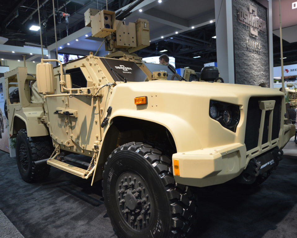 this is why the jltv is to the humvee what the humvee was to the jeep we are the mighty. Black Bedroom Furniture Sets. Home Design Ideas