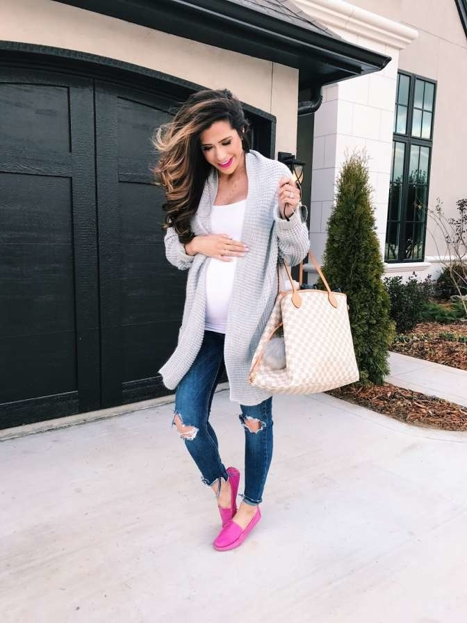 What to wear to a baby shower—whether you re a guest or the mama-to ... ef3d375a72f9