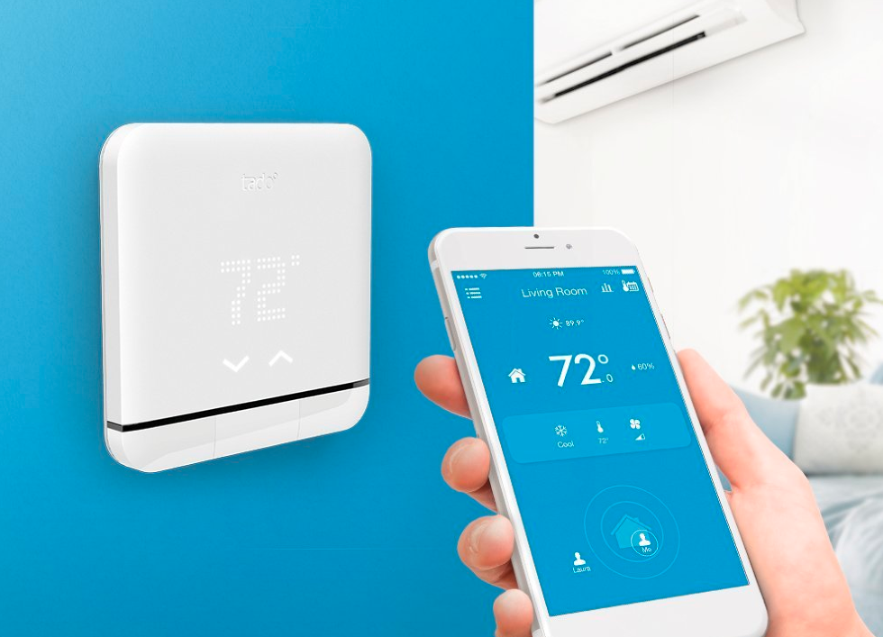 Picture of Tado smart air conditioner controller and smarpthone app.