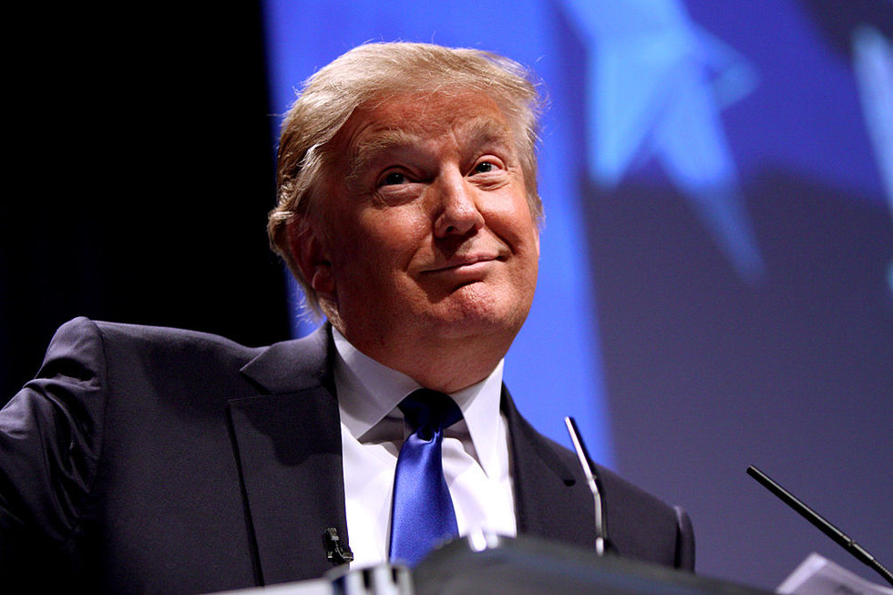 No, Donald Trump Did Not Tell That Dumbass He's Going To Kill All The Muslims