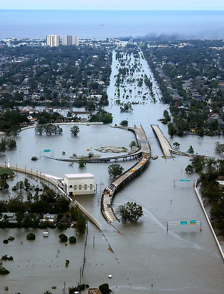 Lady Writer Wishes Hurricane Katrina Would Destroy Chicago, Is That Mean?