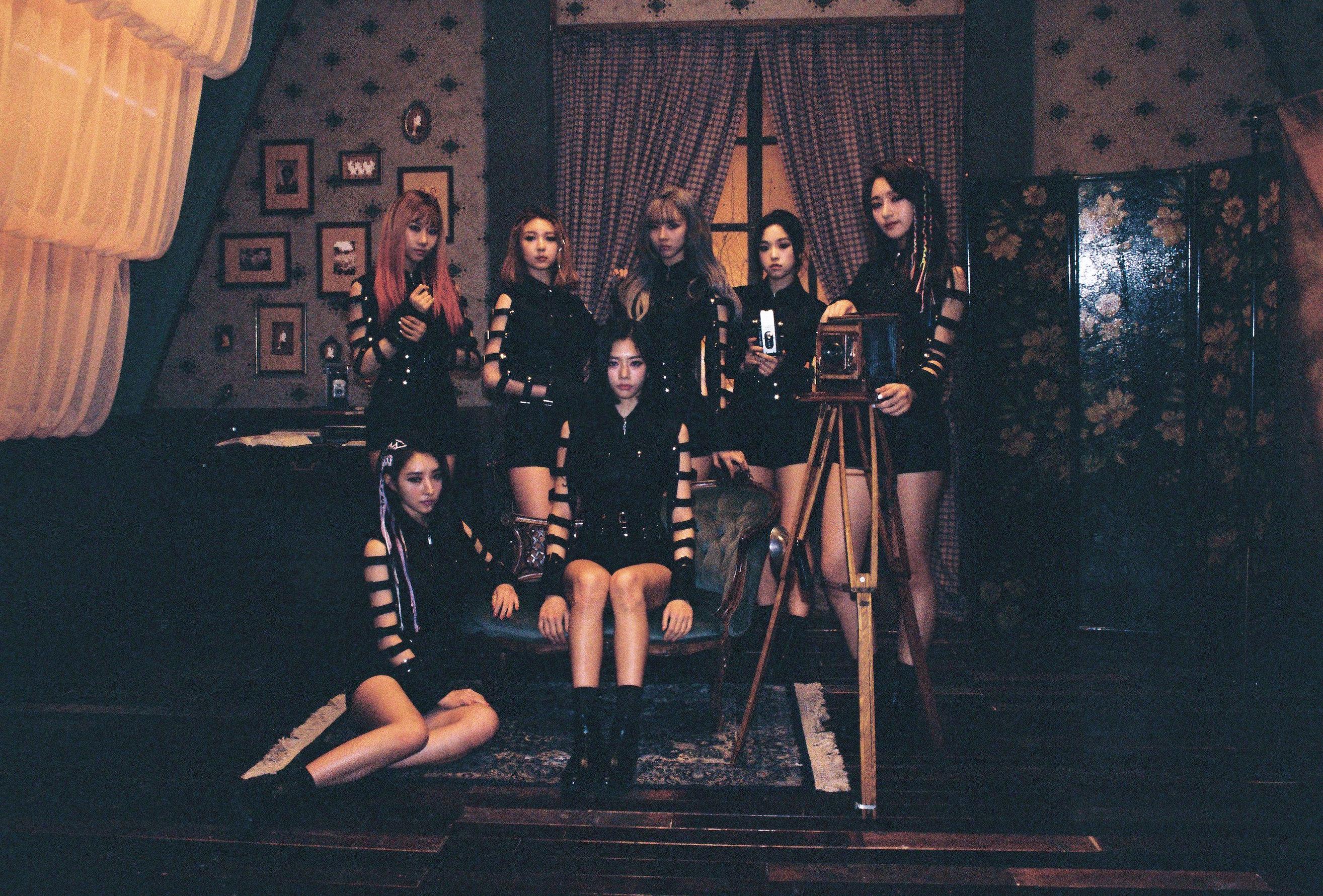 Meet Dreamcatcher: K-Pop's Most Horrifying Girl Group - PAPER