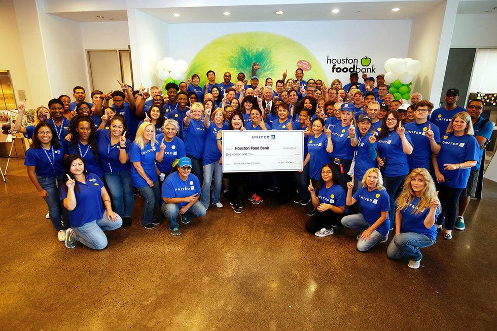 Volunteers at receiving United's grant at Houston Food Bank