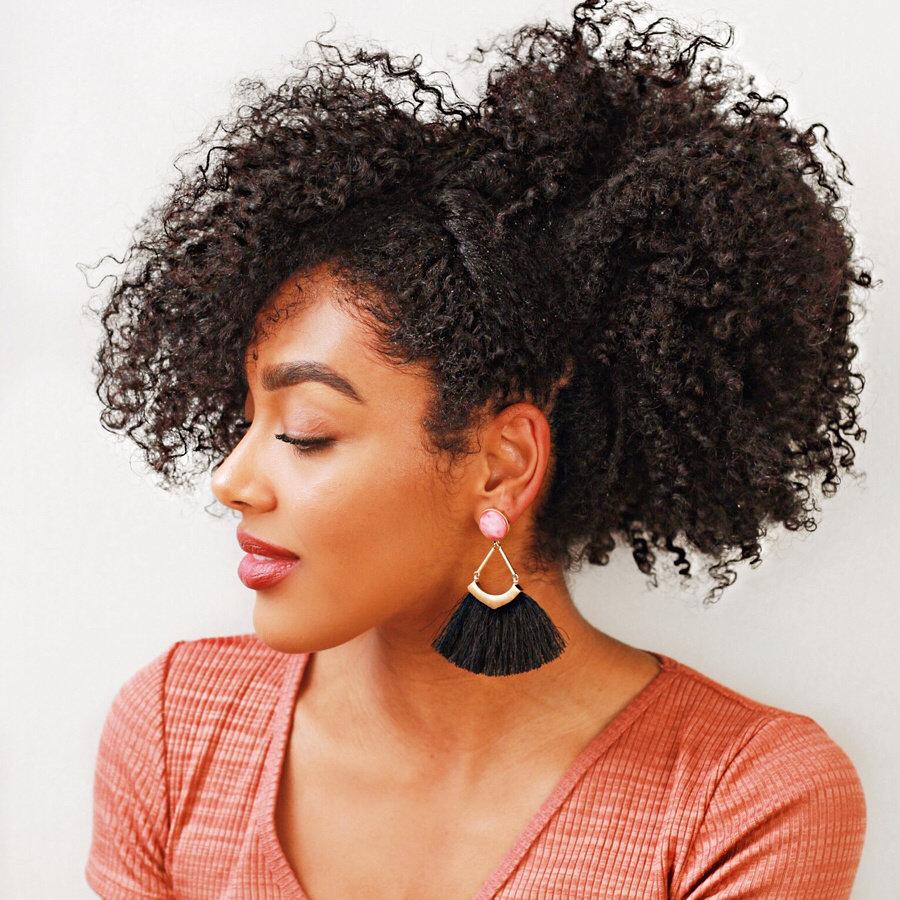 10 Natural Hairstyles to Slay This Season