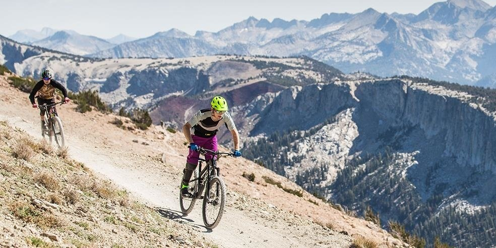 Summer in Mammoth: Hiking, Biking, Yoga + Sunrise Hot Springs in the Famous Ski Town