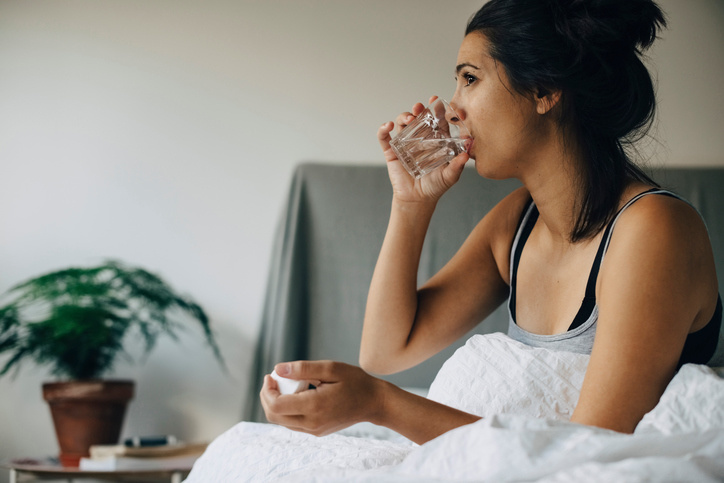 5 ways to manage nausea during pregnancy—naturally - Motherly