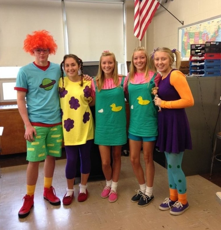Picture Ideas With Twins: 13 Character Day Ideas For Spirit Week