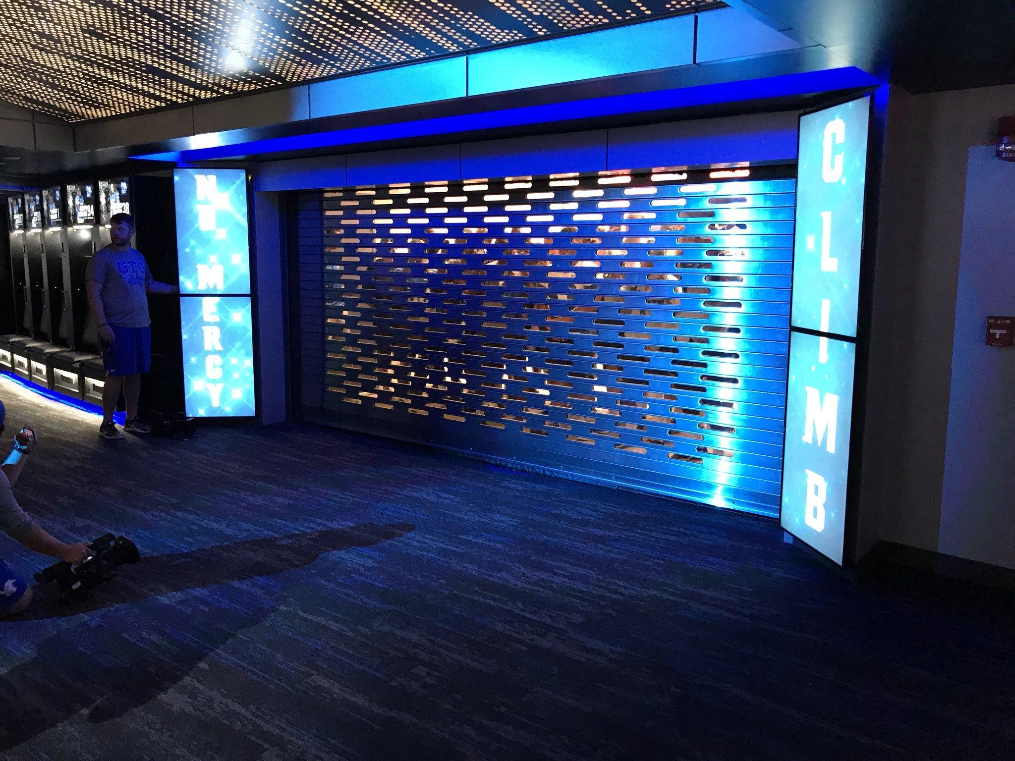 This Memphis Football Team S New Locker Room Looks Like An