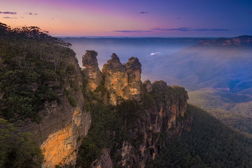 Sunrise over three sisters, Blue Mountains, Australia