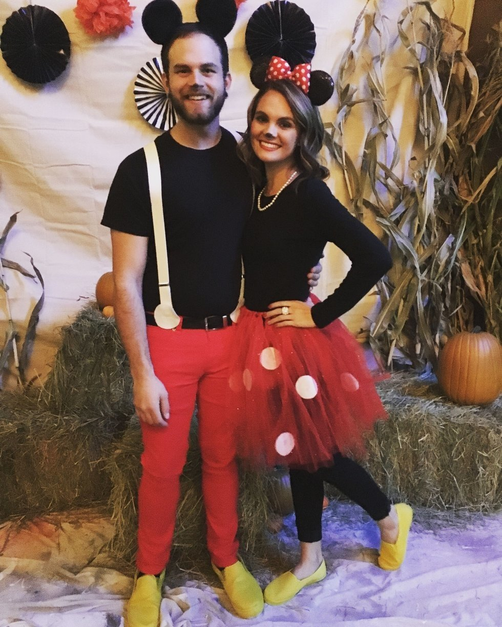 31 clever couple halloween costumes you wish you thought of first