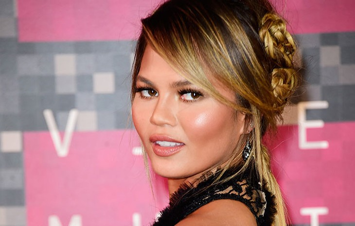 Everything You Need to Know About Chrissy Teigen's 2015 VMA Beauty Look