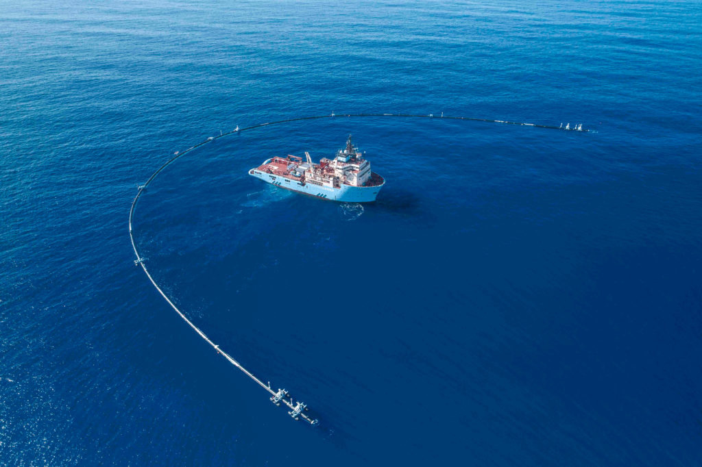Ocean Cleanup s 2,000ft net deployed at Great Pacific Garbage Patch