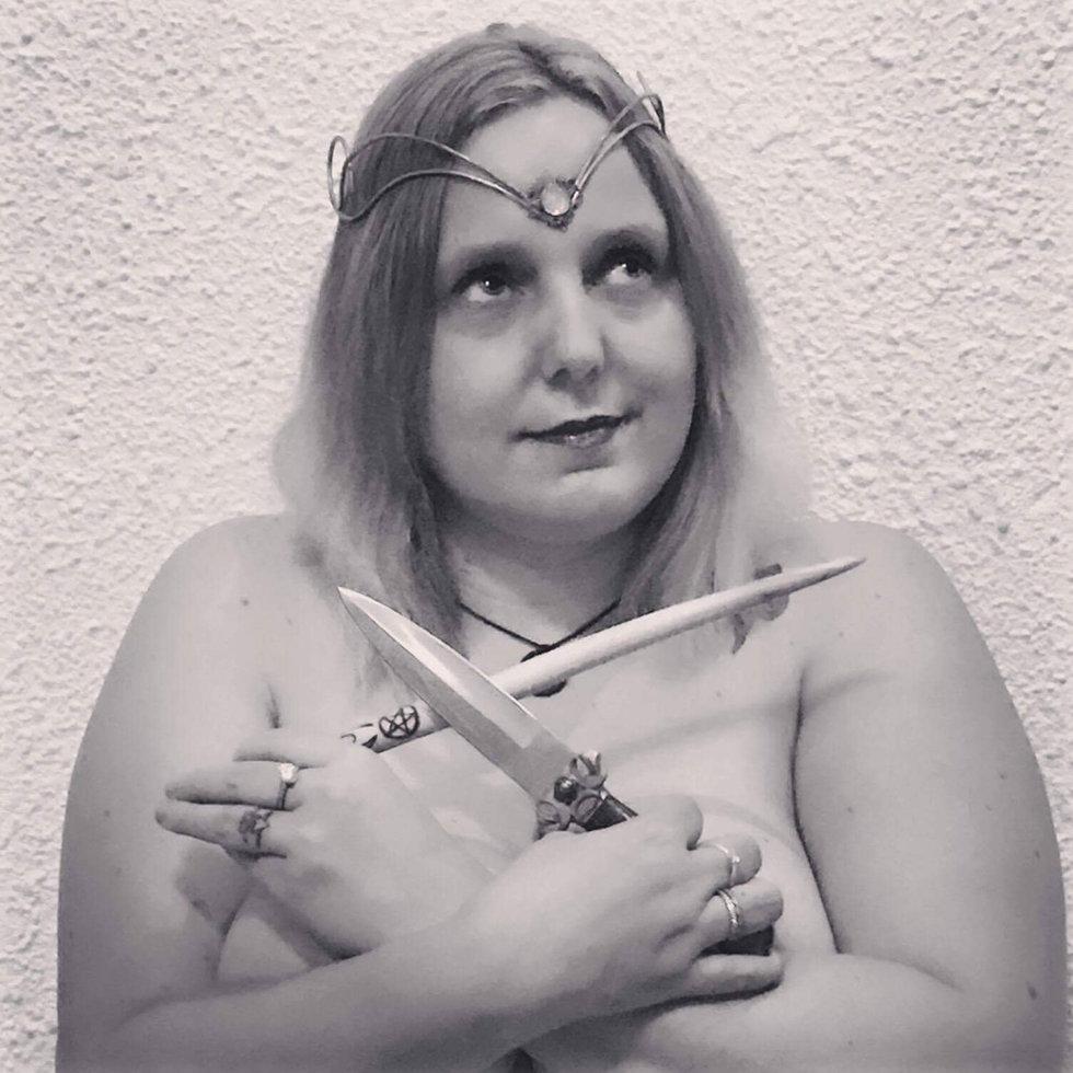 Nudist into witchcraft pics 25