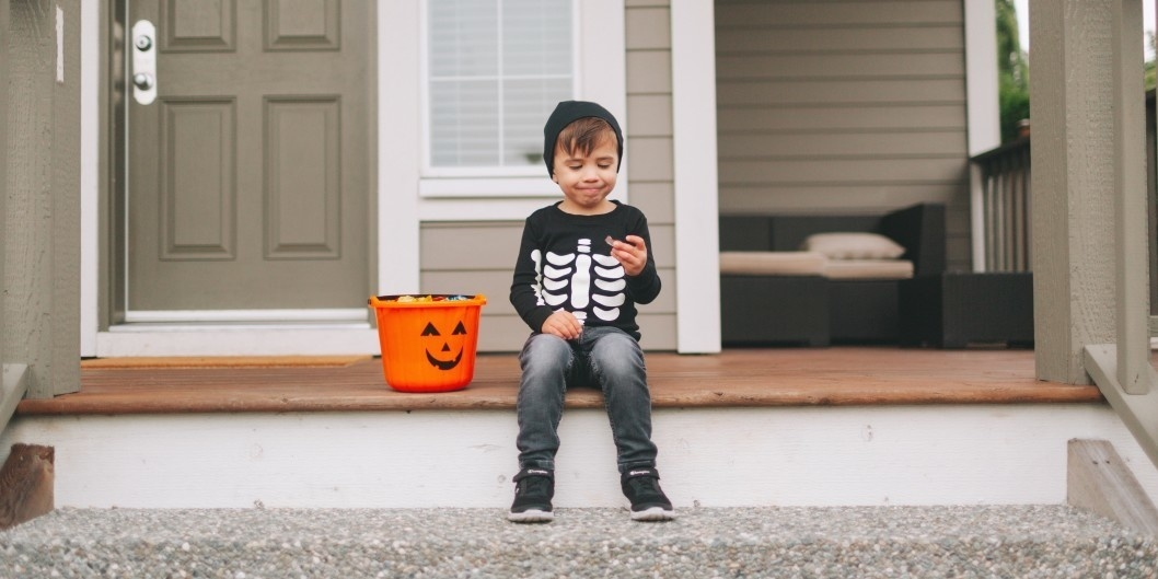 Why you should just let your kids eat their Halloween candy 🍬