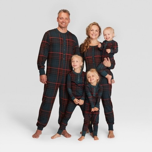 f2812d759b 15 cozy matching family pajamas for the holidays - Motherly
