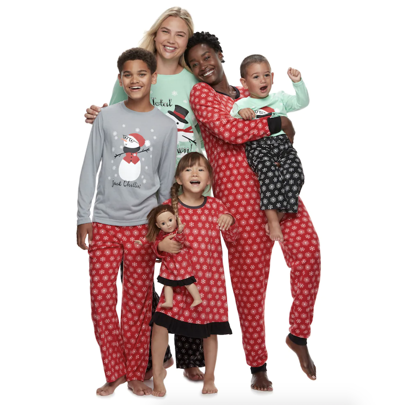 a89d89e577 15 cozy matching family pajamas for the holidays - Motherly