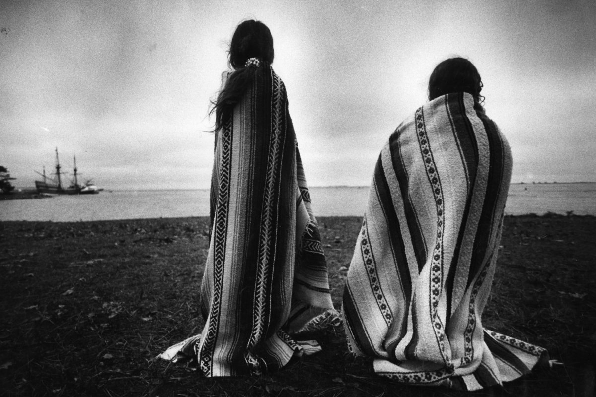 Photo: Native American Girls Gather At Plymouth For Day Of Mourning, November 26, 1992. By Suzanne Kreiter/The Boston Globe via Getty Images