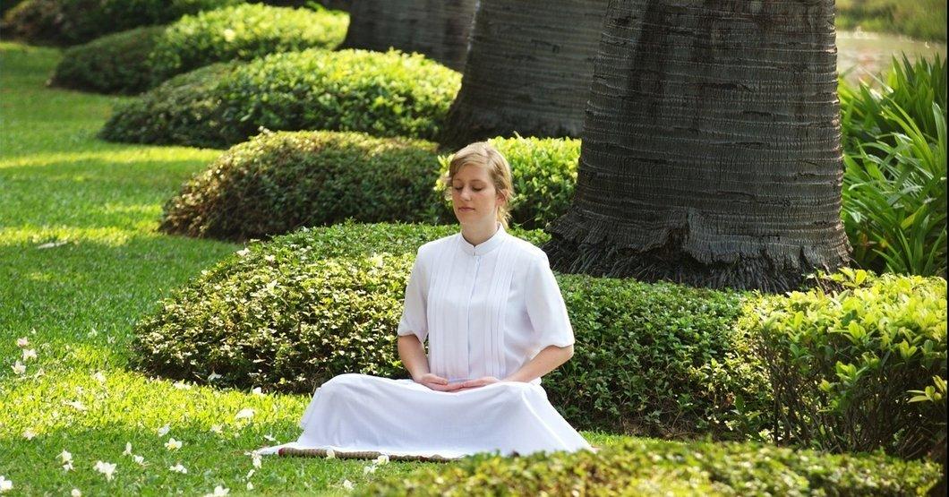 Pixabay - Meditating woman