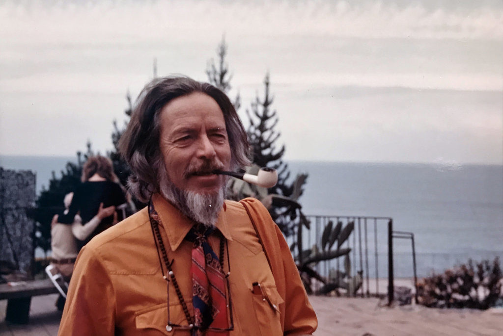 7 best Alan Watts books on philosophy and life