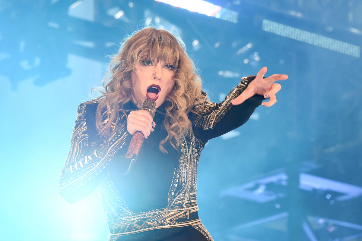 Taylor Swift Reveals Upcoming 'Cats' Role