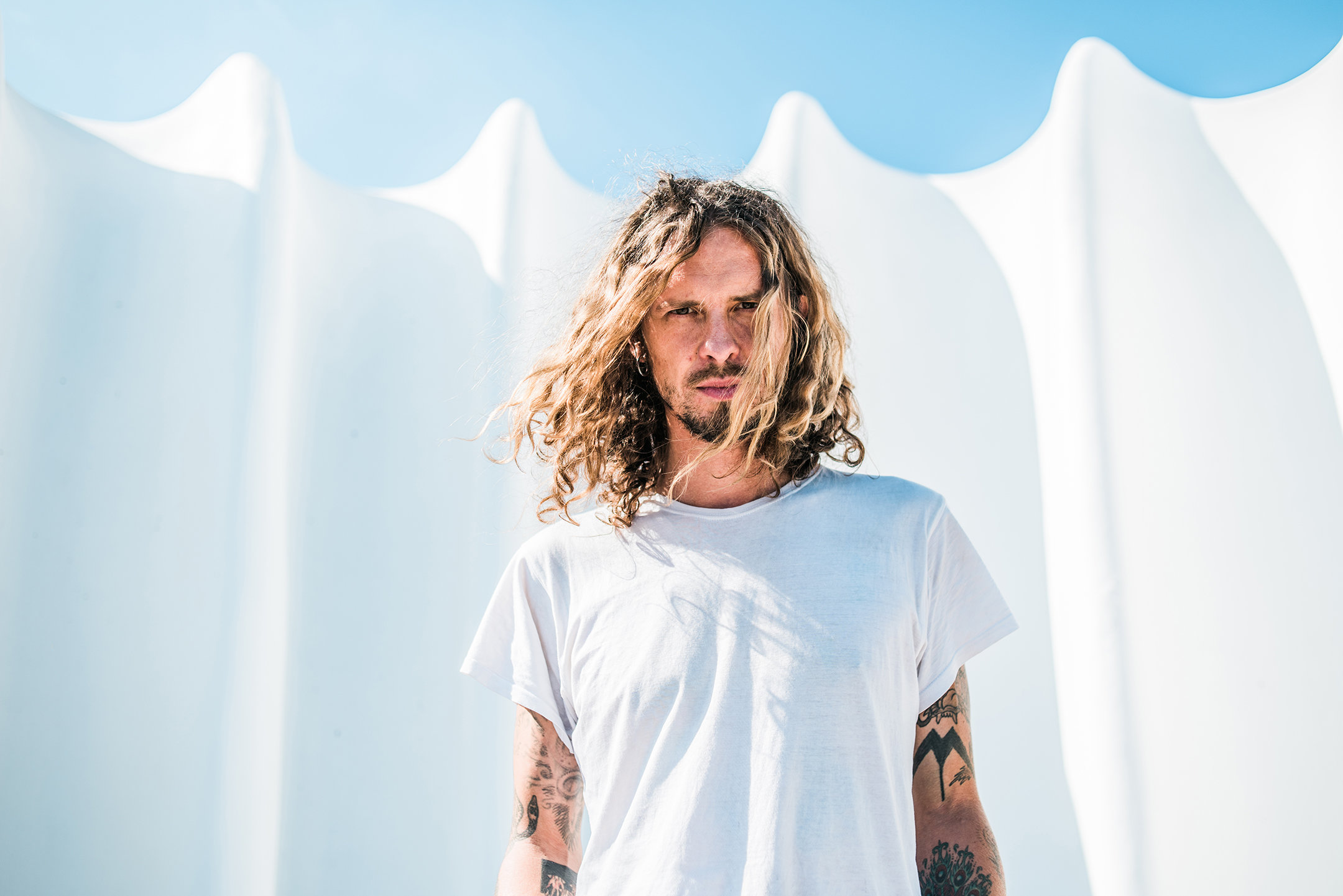 Conny Ochs Gets Contemplative With  Dark Tower  (premiere)