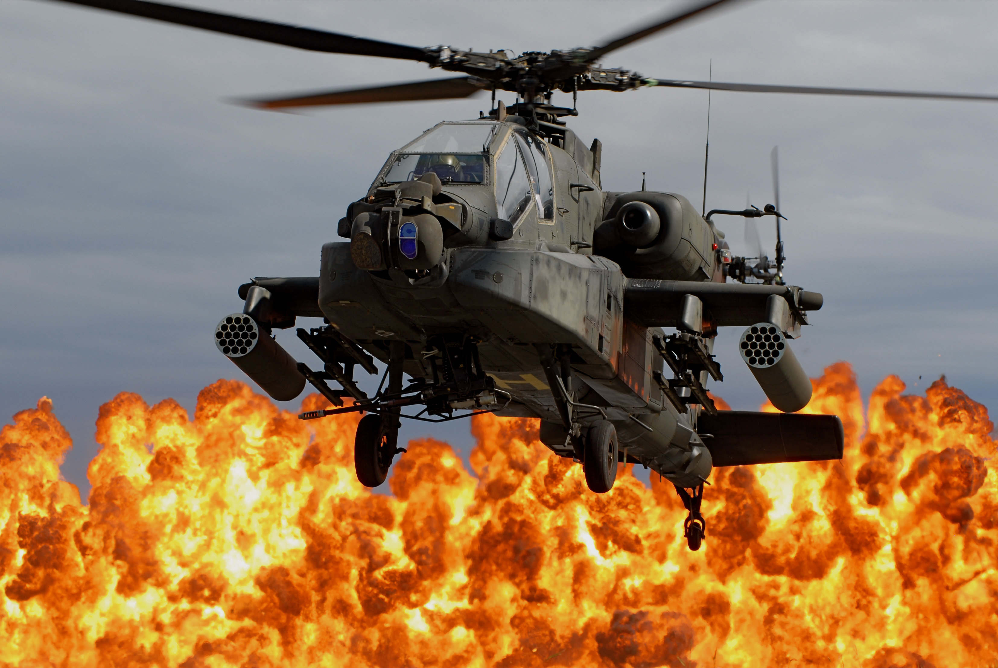 What It's Like To Fly A US Army Apache Helicopter - Task