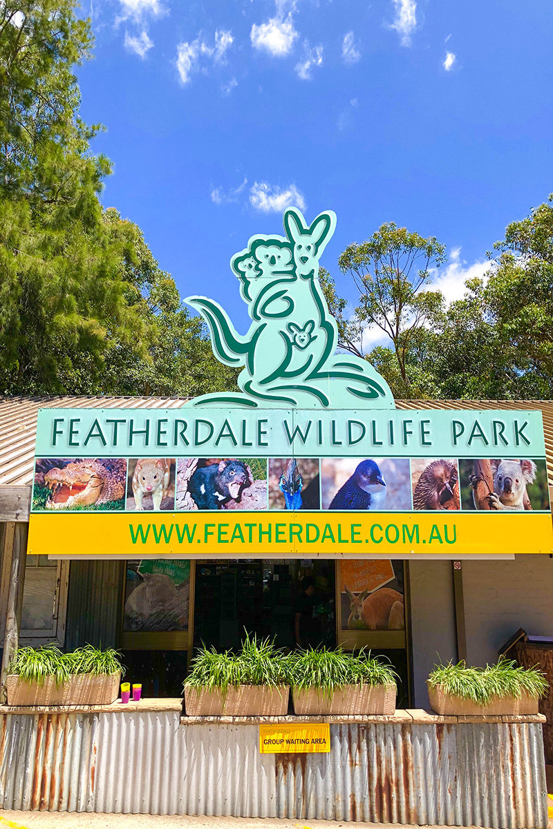 Featherdale Wildlife Park Mammal Encounter.