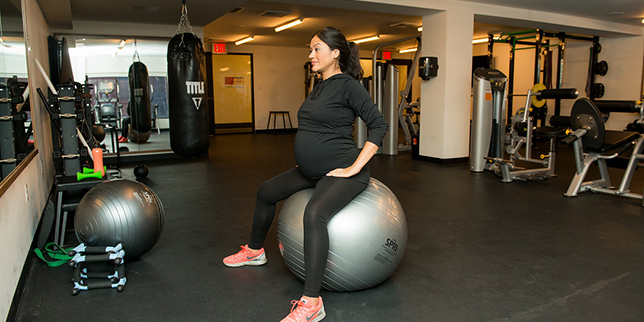 8 Exercises to Relieve Hip Pain During Pregnancy - Motherly