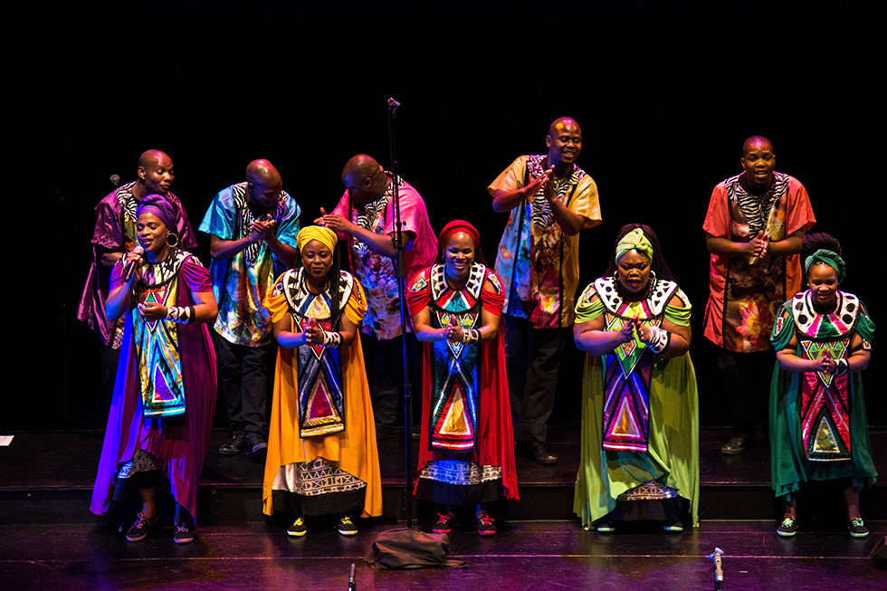 Soweto Gospel Choir Pay Tribute to Nelson Mandela
