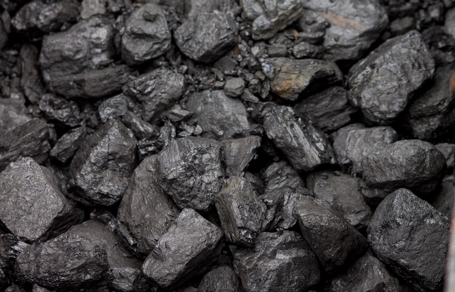 Scientists can now turn CO2 in the air into solid coal