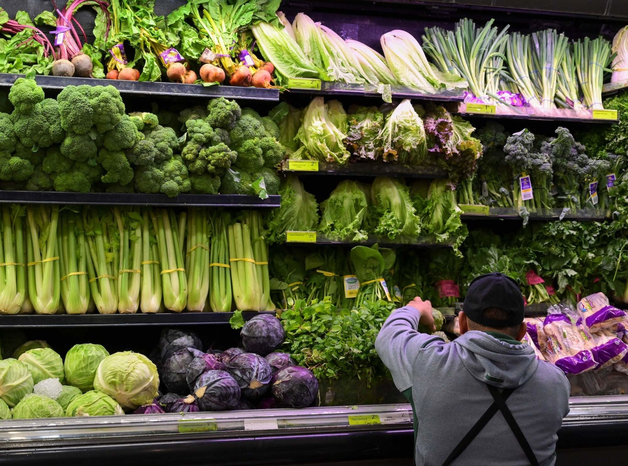 Discount store produce as healthy as counterparts in Whole Foods