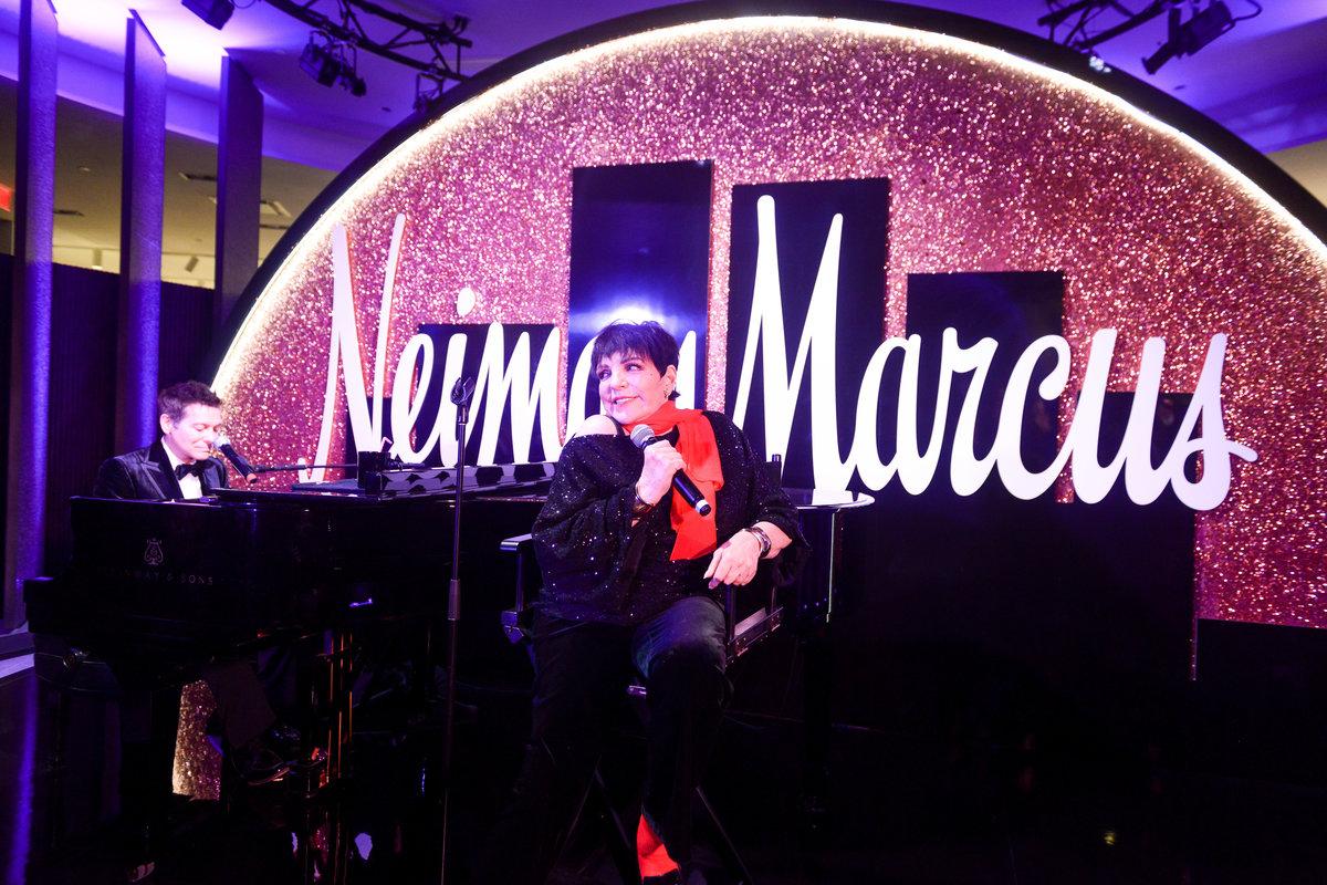 Liza Minnelli Sang 'New York, New York' at Neiman Marcus