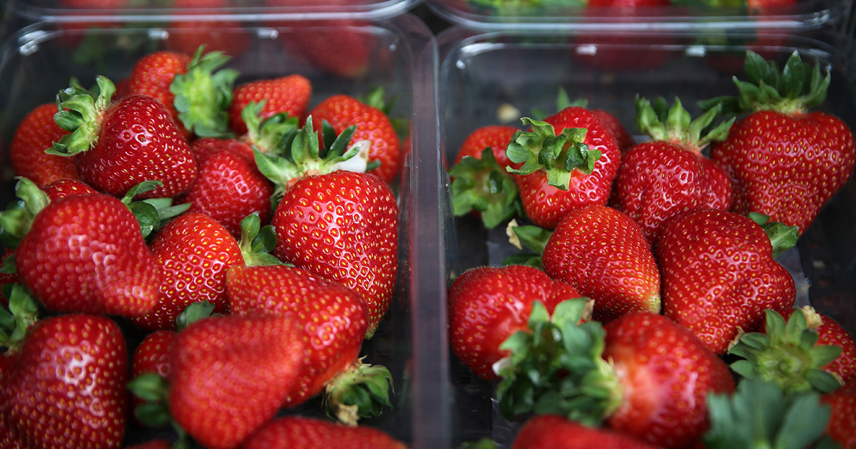 Strawberries, Spinach Top Dirty Dozen List of Pesticide-Contaminated Produce