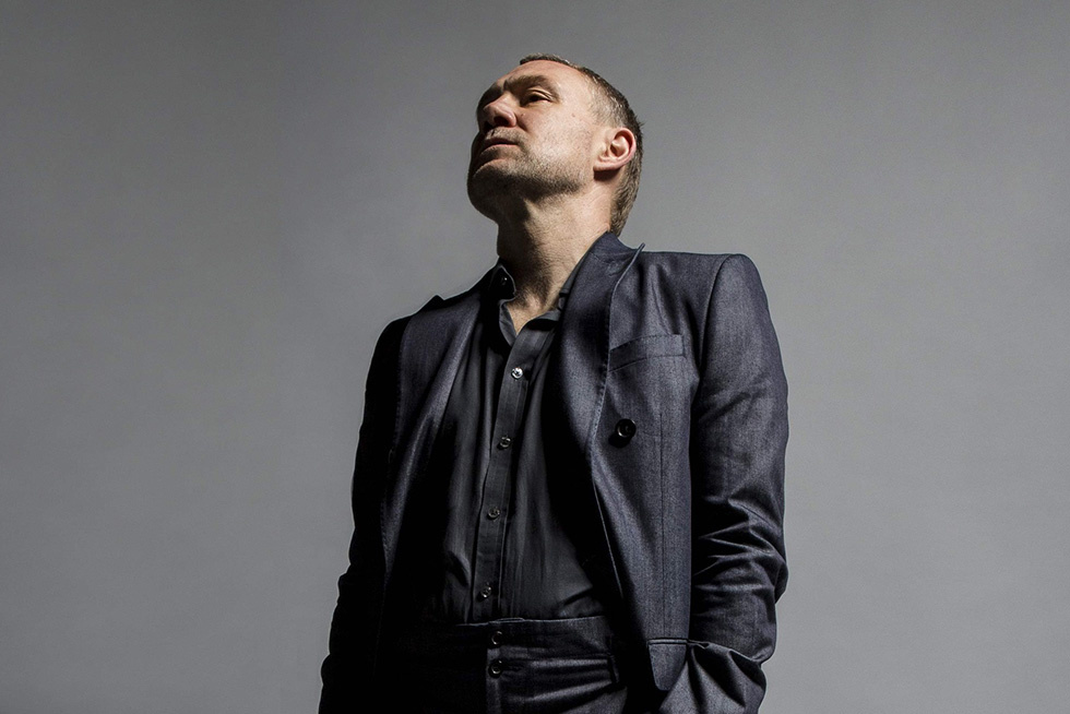 David Gray Brings Back the Folktronica on  Gold in a Brass Age