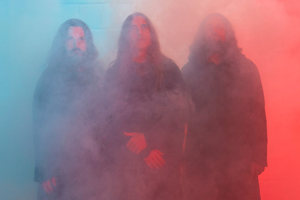 Sunn O))) s  Life Metal  Loses Some of Their Patented Experimentalism