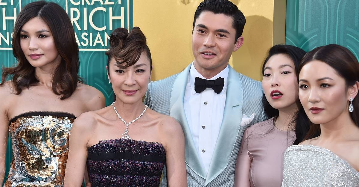 This viral Twitter thread perfectly shows why 'Crazy Rich Asians' is