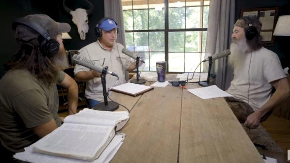 'UNASHAMED': Sean Hannity and Phil Robertson