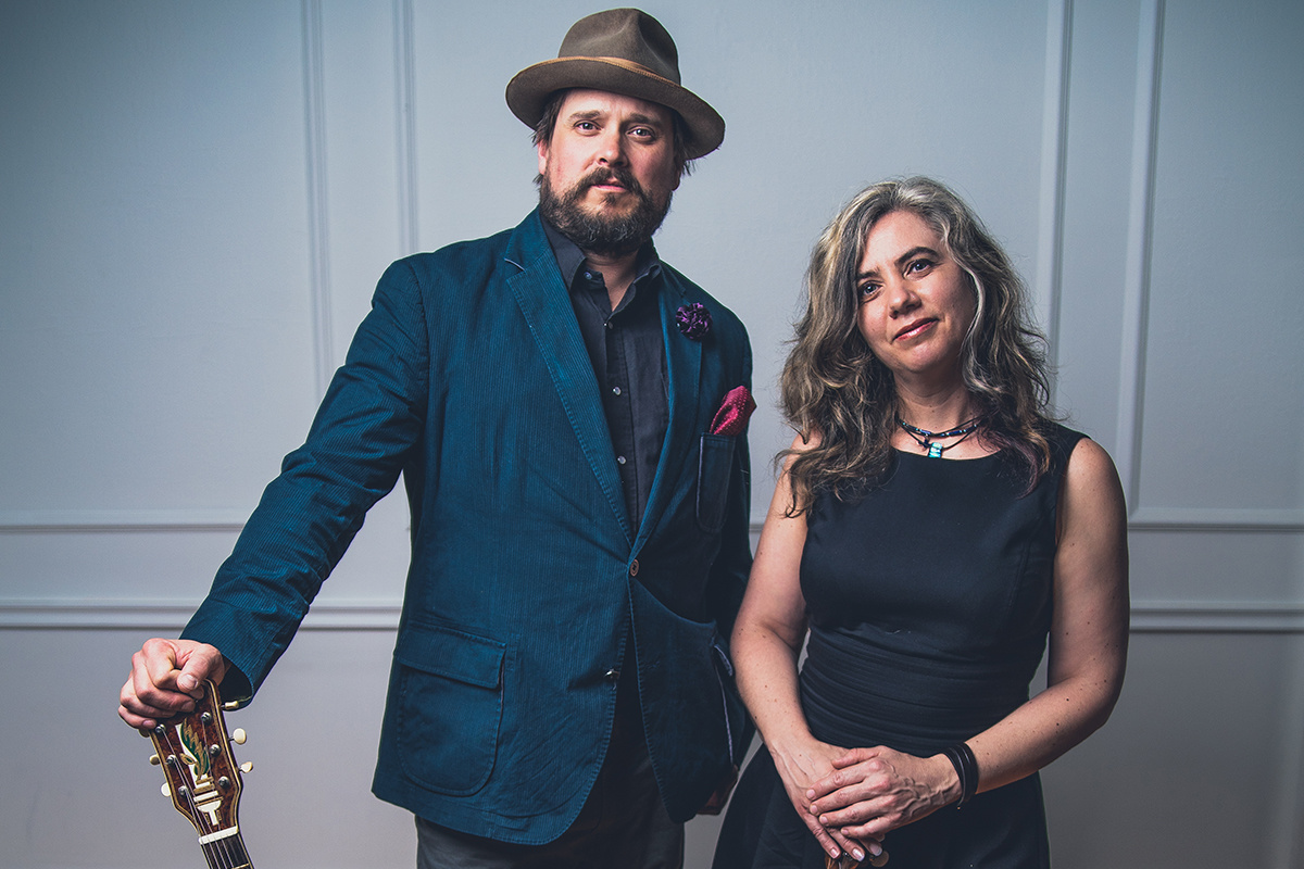 """The Small Glories Sing the Praises of """"Alberta"""" (premiere + interview)"""