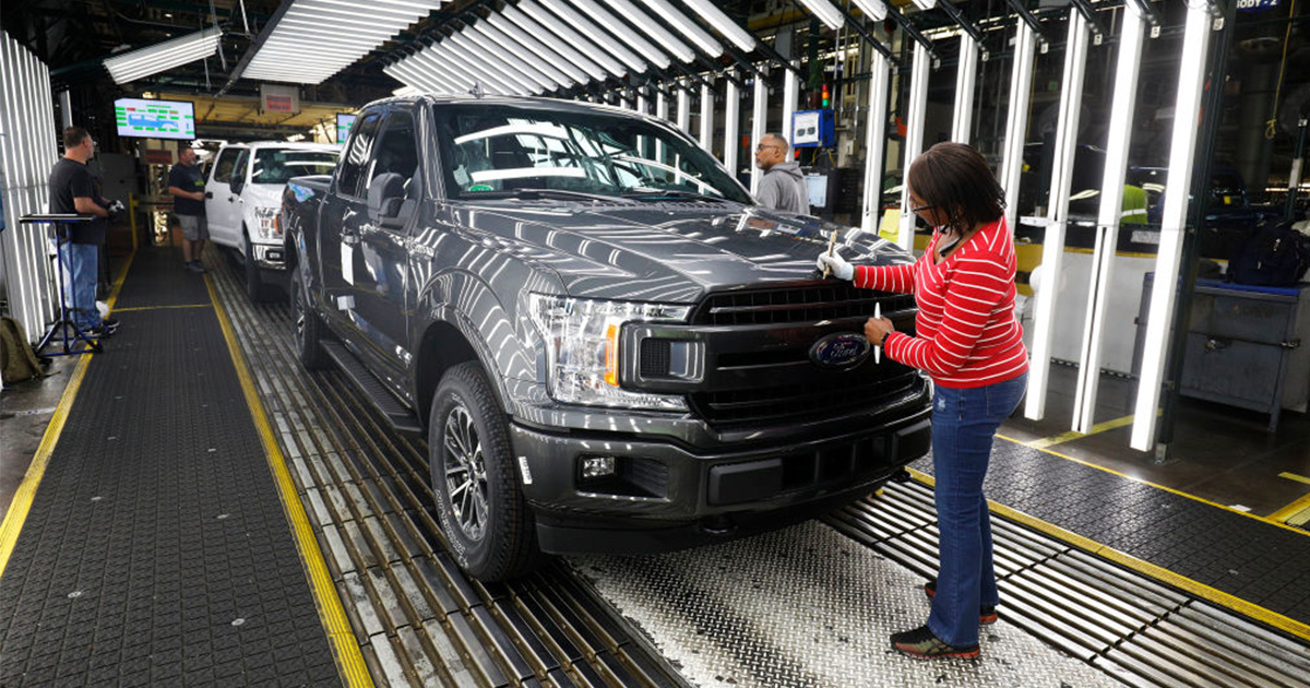 17 of World's Largest Car Makers Ask Trump for Compromise on Plan to Weaken Fuel Efficiency Standards