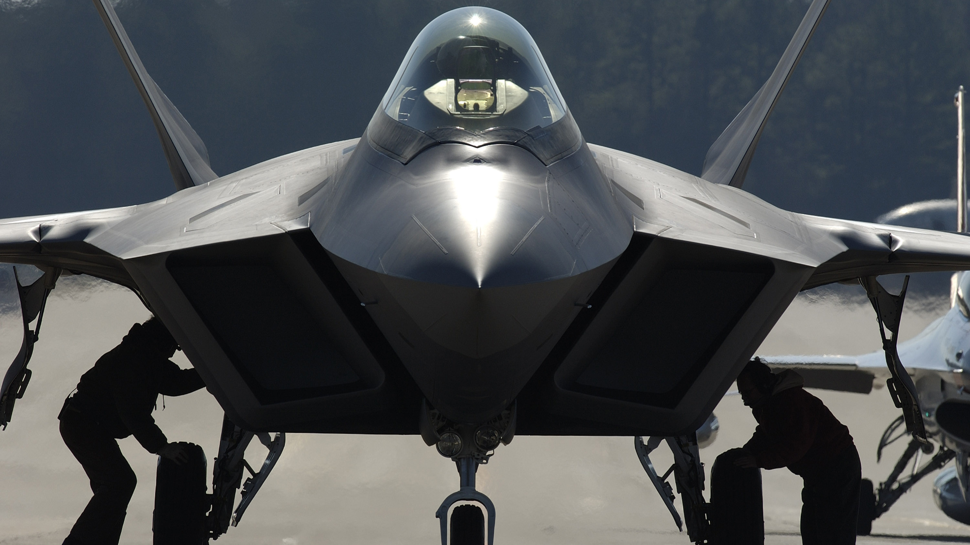 US military is world's single largest producer of greenhouse gases