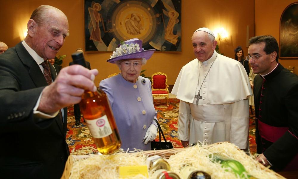 La Regina Elisabetta Incontra Papa Francesco Panorama