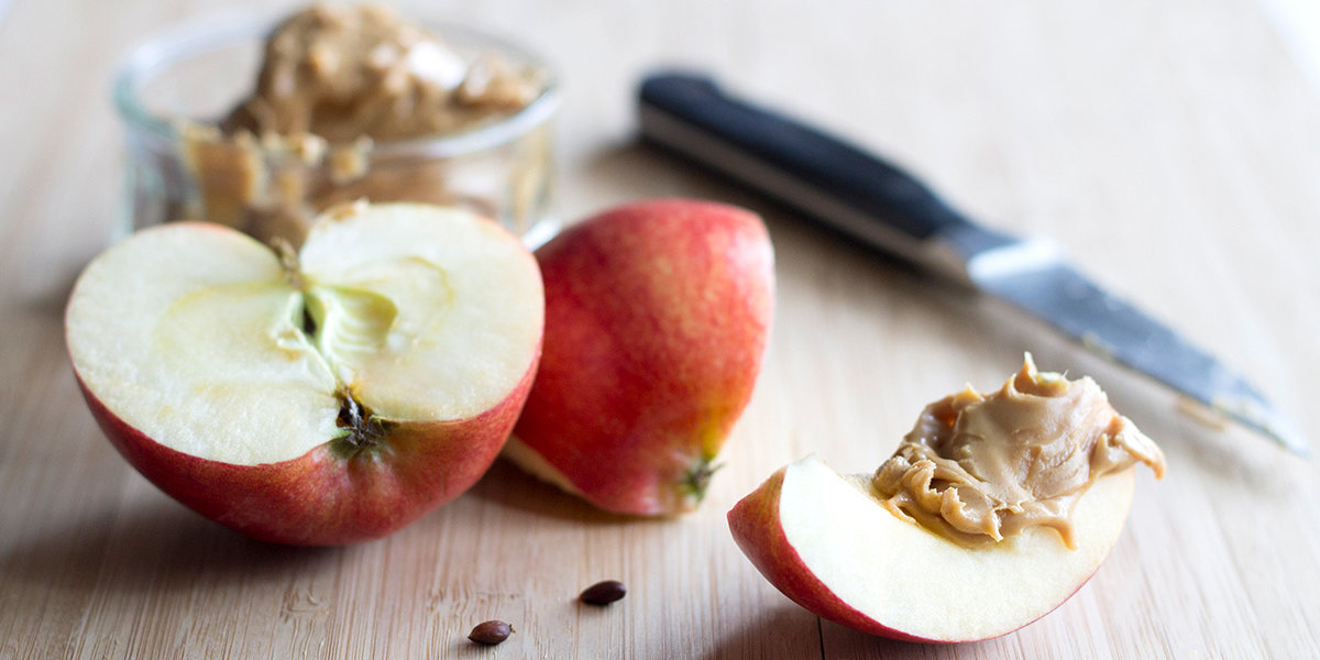 Is Apple and Peanut Butter a Healthy Snack?