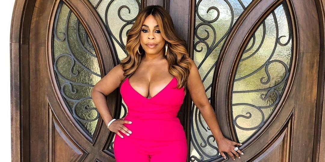 Niecy Nash Believes You Should Apologize To Your Body Every Damn Day