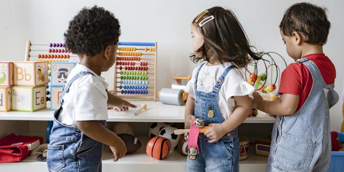 12 Montessori-inspired ways to help your child feel comfortable in social situations