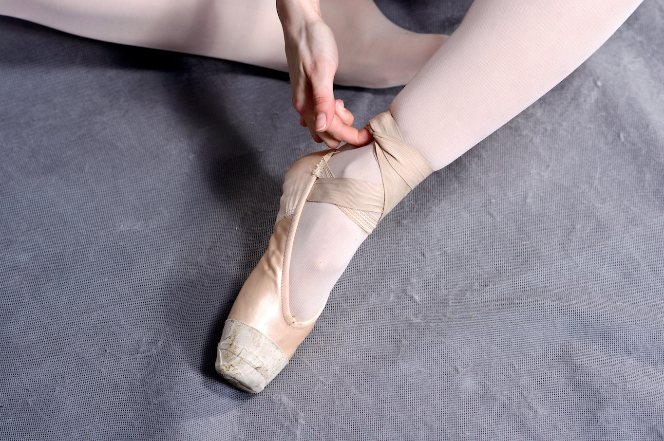 Dealing With Tendonitis? Try These Pointe Shoe Fitting Tips