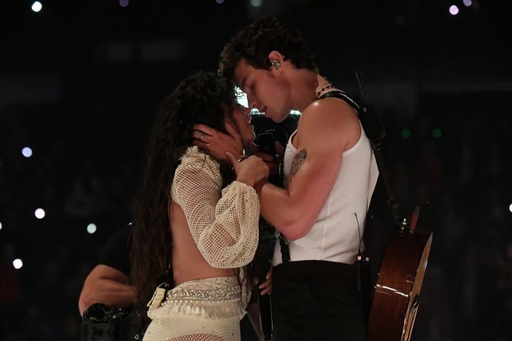 Worst Celebrity Kisses, Ranked