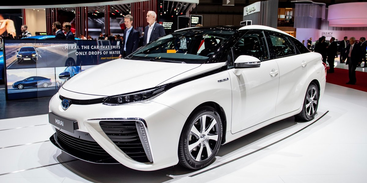 Meet The Electric Car That Doesn't Need To Be Plugged In