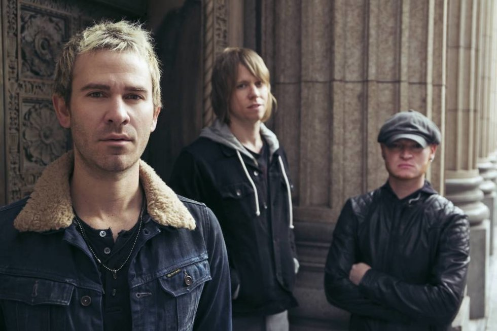 6 Early-2000's Bands You Love To Hate